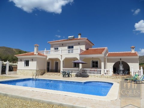 Resale villas in Arboleas.