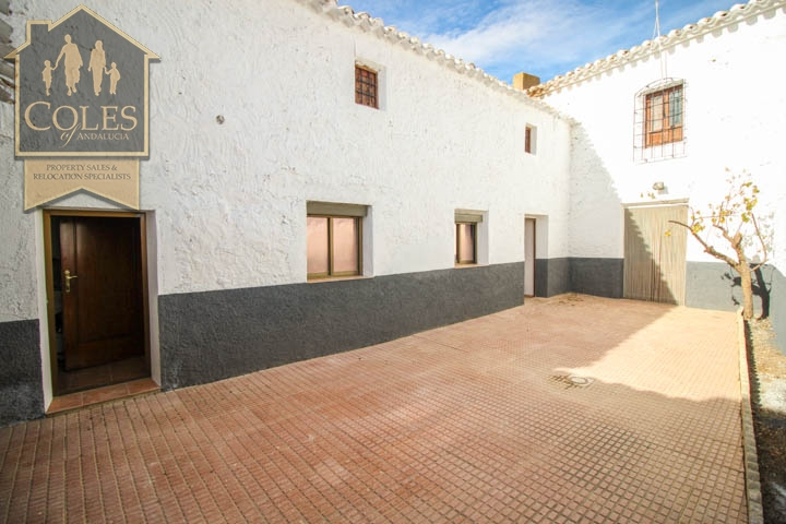 Coles of Andalucia property CON5T02 photo 12