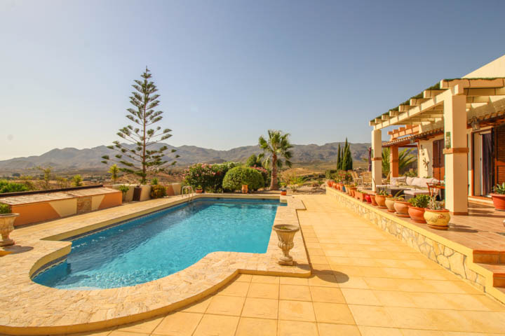 Coles of Andalucia property GAL5V03 photo 38
