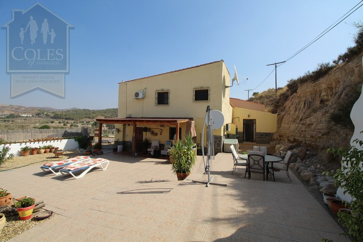 Coles of Andalucia property HUE4CB01 photo 0