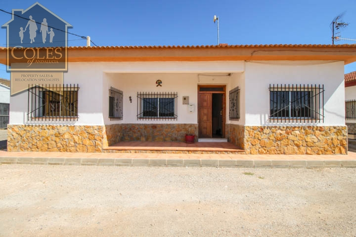 Coles of Andalucia property HUE5V01 photo 13
