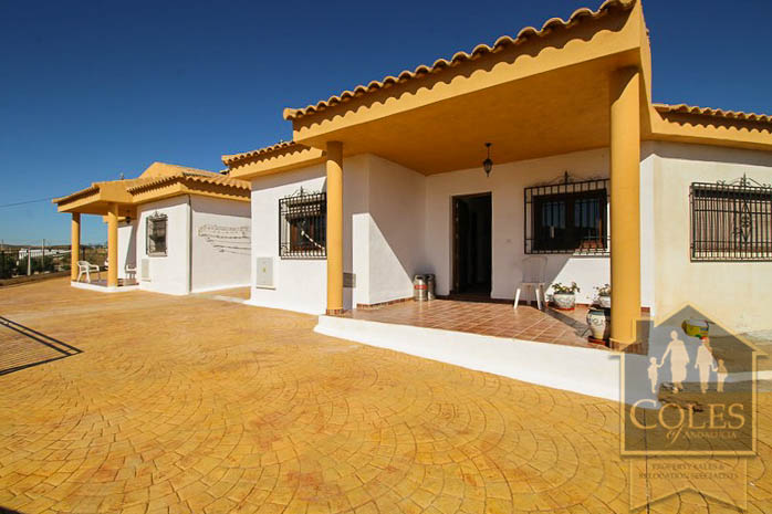Coles of Andalucia property SER6V01 photo 29