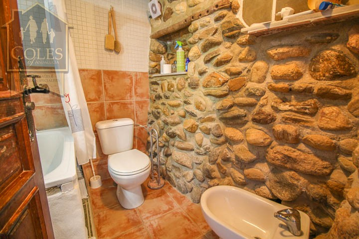 Coles of Andalucia property TUR2T02 photo 7