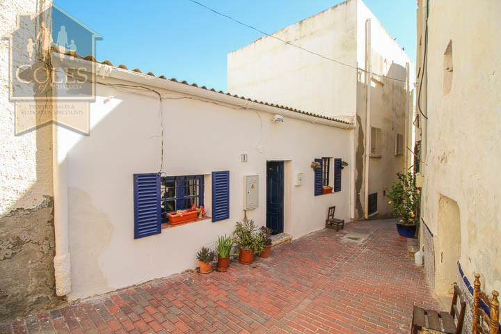 Coles of Andalucia property TUR2T02 photo 17