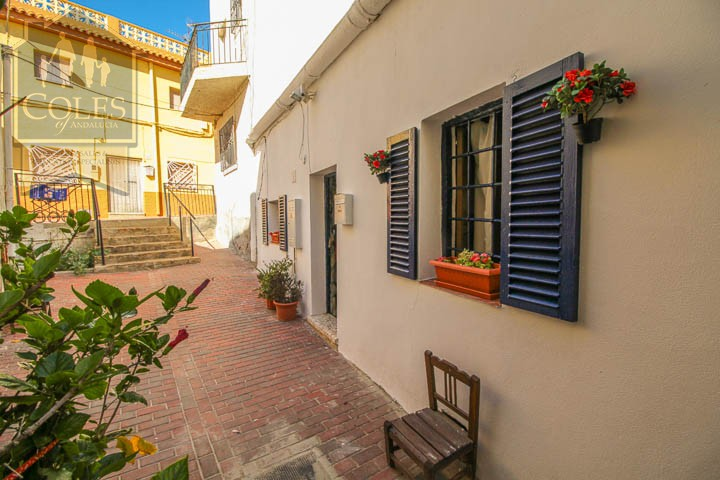 Coles of Andalucia property TUR2T02 photo 0