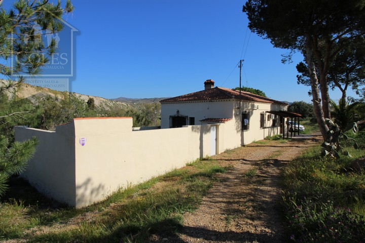 Coles of Andalucia property TUR3CH01 photo 15
